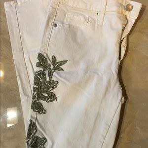 White high waist embellished jeans